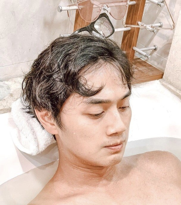 TVB小生鄭俊弘為拳賽亡命操練,太太發文疑控訴大臺罔顧藝人健康
