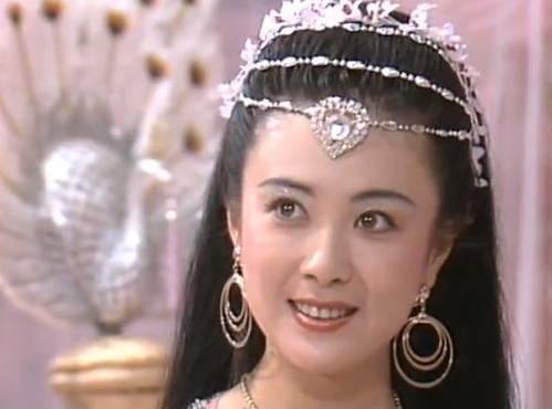 傅藝偉自我毀滅史:從「最美妲己」到「階下囚」,她經歷了什麼