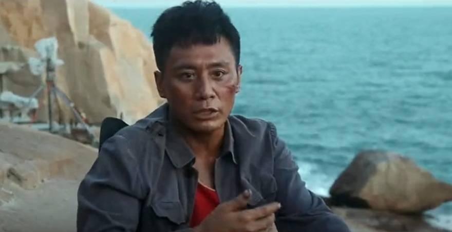 劉燁曬脫皮,張一山上演海中求生,《守島人》真實到令人心疼