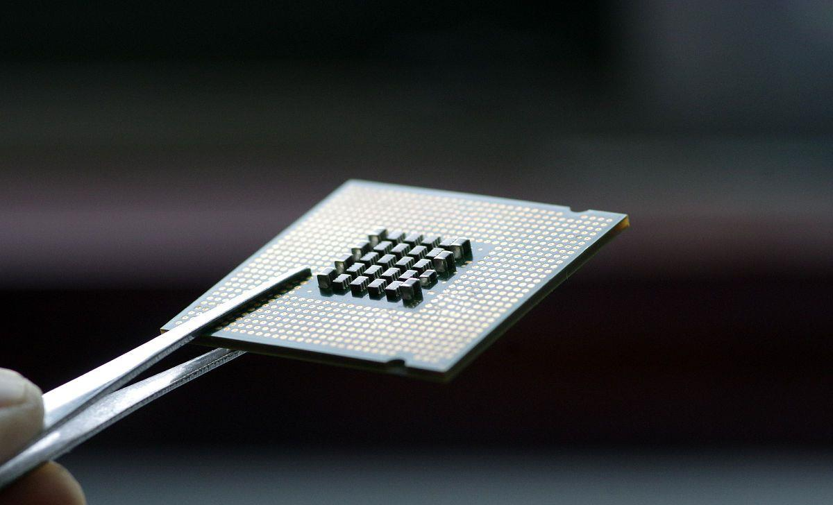 人齊!華米OV都要造晶片,手機自研晶片之戰正式打響