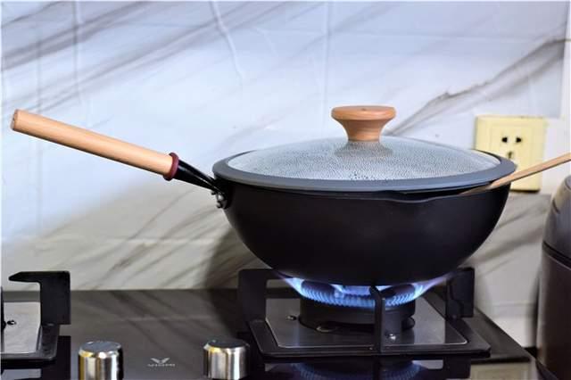 瑞士不粘層,悅味MOTOMI不粘炒鍋體驗