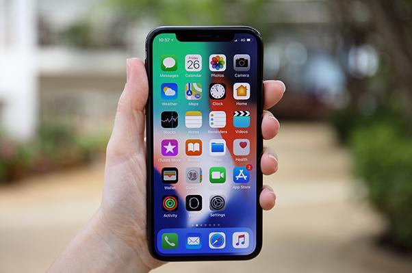 手機大廠又開始「內卷」了,為什麼蘋果總是最「佛系」的那一個?