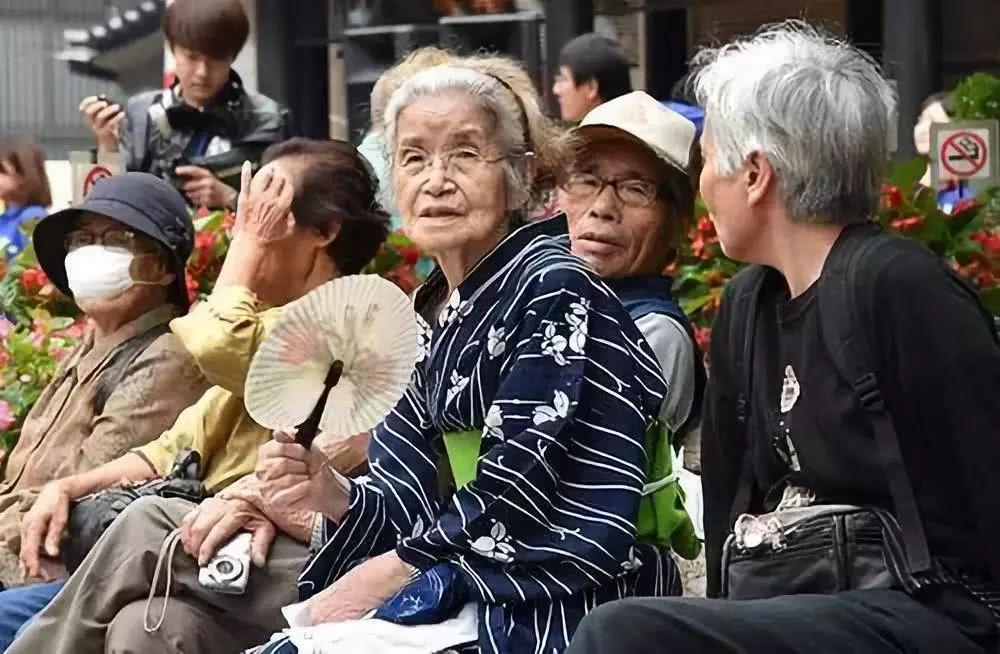 日本老人曬「極簡晚餐」,中國網友:雖然健康,但我一口也吃不下